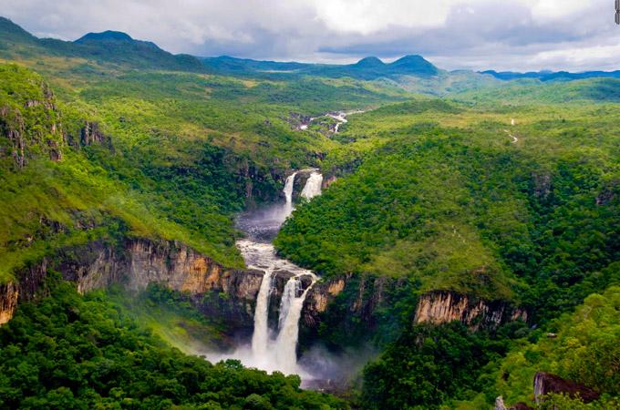 Chapada dos Veadeiros, cachoeiras, rios e trekkings no coração do Brasil