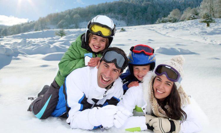 Veja como fazer um roteiro de viagem para a neve com crianças